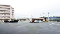 【*駐車場】平面駐車場120台分完備!