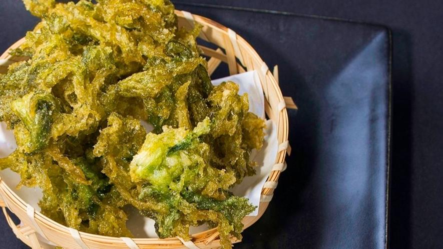 【*食事一例】四万十川でとれたあおさの天ぷら。
