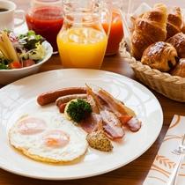 【Garden Cafe】朝食はアメリカンブレックファストへ変更も可能
