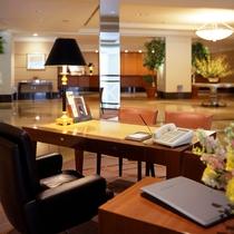 【ロビーマネージャーデスク】観光やホテル内のあらゆる事にお答えします。