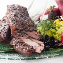 【Garden Cafe】料理長特製の自家製ローストビーフ