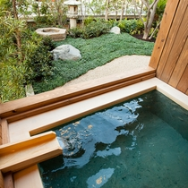 【専有露天風呂付和室】67㎡/客室で自家源泉の温泉を満喫。
