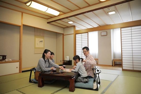 【夕食はルームサービス】彩り豊かな和食三段重弁当付(朝食なし)