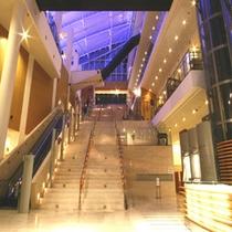 ロビーアトリウム階段