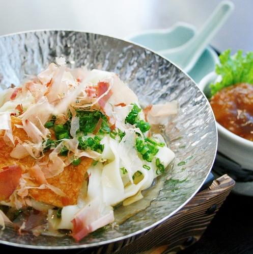 【夕食】きしめん+ミニ味噌カツ丼(イメージ)