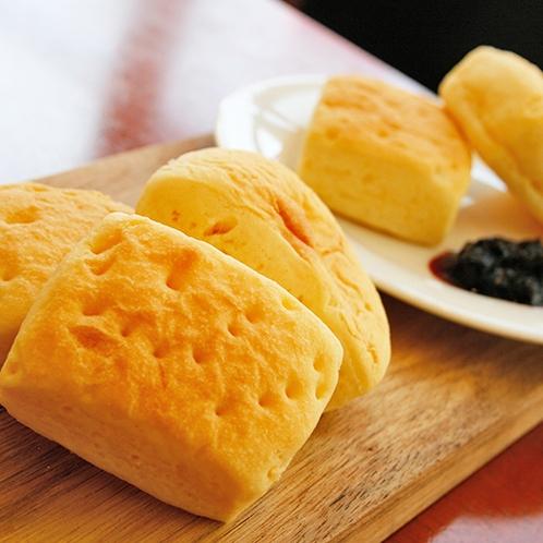 【朝食】オブセ牛乳使用『ミルクロール』