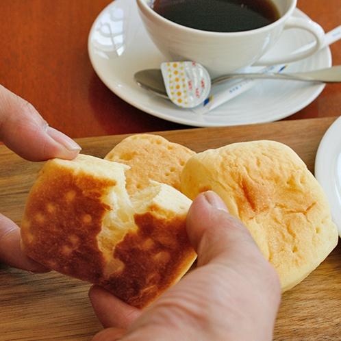 【朝食】ミルクロール