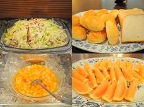 【朝食バイキング】フレッシュなフルーツなどもございます。
