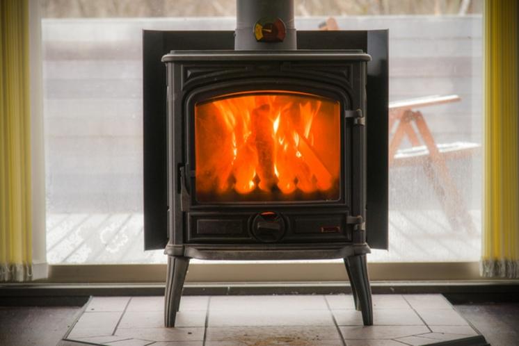 デザイナーズハウスA_暖炉イメージ