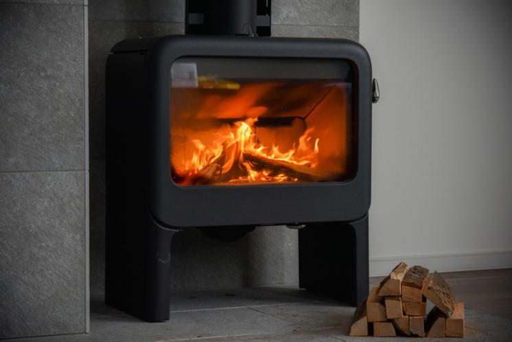 THE_ONSEN_COTTAGE_暖炉イメージ