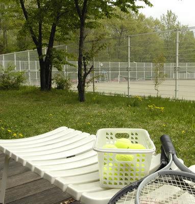 ホテル内のテニスコート 家族やカップル、お子様と高原ホテルを♪