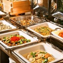 【朝食ブッフェ】温かくボリューム満点の料理で朝のエネルギーを完全充填