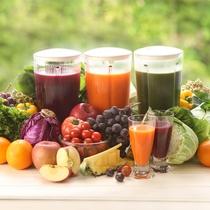 朝食は和洋ブッフェ 高原リゾートならではの新鮮野菜や果物のフレッシュジュース♪