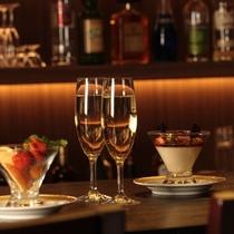 大切な夜を彩る料理とお酒、ふたりだけの大切な時間
