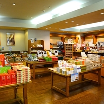 ホテルショップでは信州長野、上州群馬の人気のお土産がたくさん!! オリジナルアイテムも!!