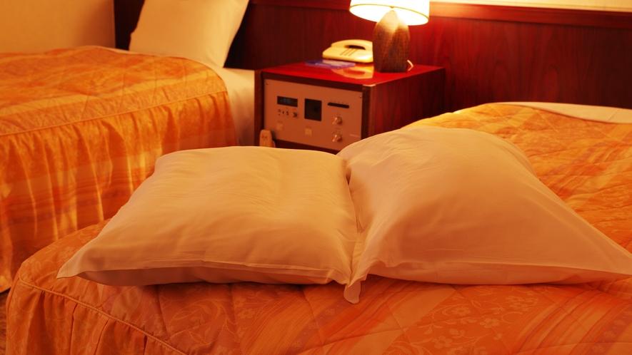*枕が合わない方に…違う硬さの枕もございます。お気軽にフロントへお申し付けください。