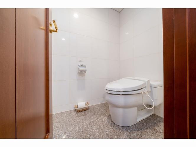 トイレ(スイートルーム)