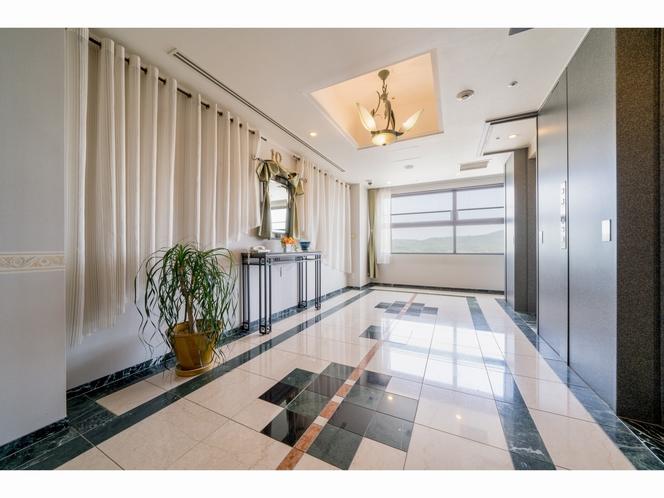 客室フロアエレベーター踊り場3