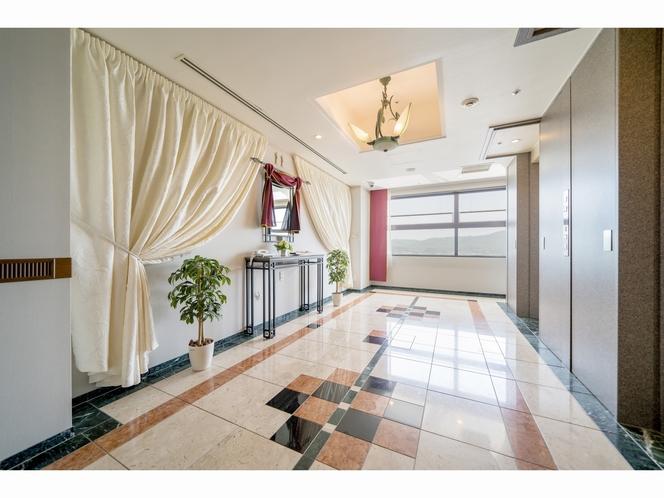 客室フロアエレベーター踊り場2