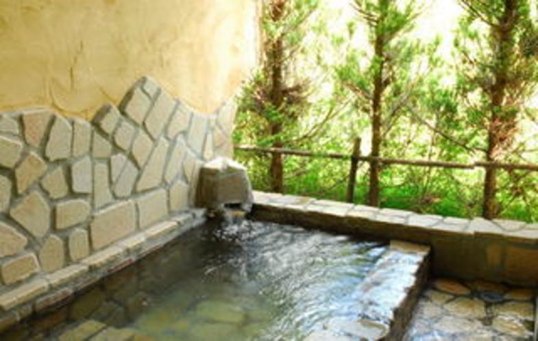 英国アンティークコテージの客室露天風呂