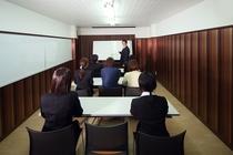 会議室 スクール(3名x最大5列)