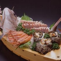*料理一例(舟盛り)1