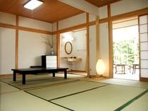 ● ゆすらうめ ●  和室12畳+広縁4畳+テラス+トイレ付き