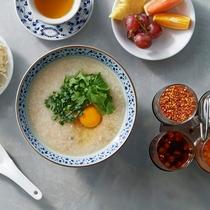 <朝食>◆タイ風おかゆ◆ 優しい味覚は朝にぴったりのメニューです