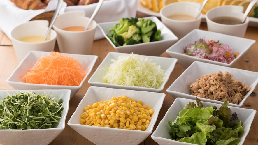サラダと4種のドレッシング