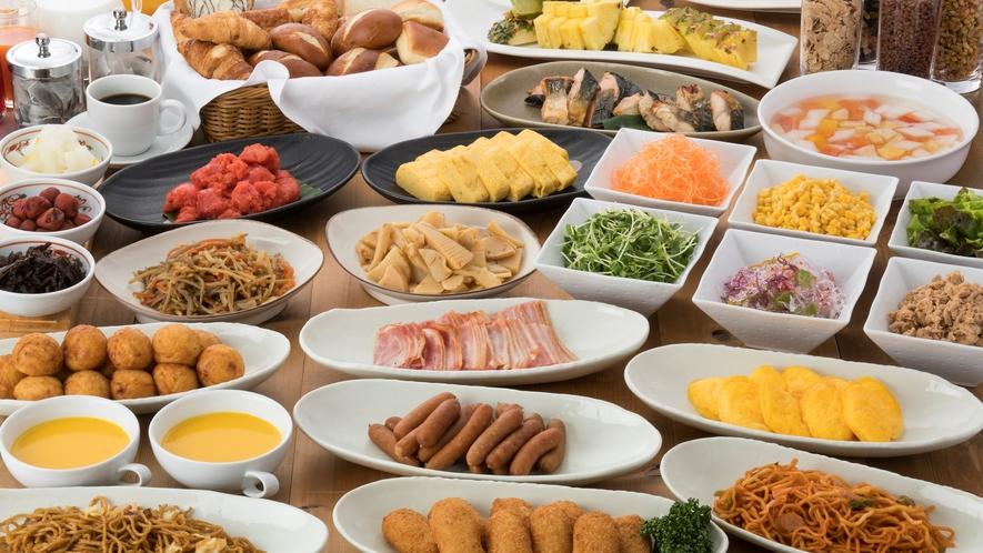 <朝食バイキング> 品数 約30種類以上の和洋バイキング 毎朝7:00オープン~8:30ラストオーダ