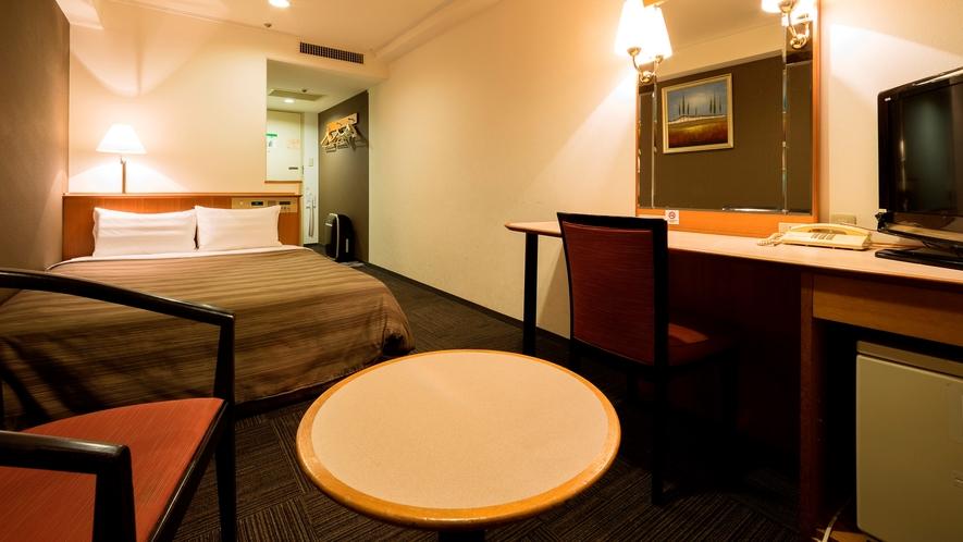 ダブルルーム(18平米 ベッド幅140㎝)