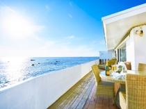 全客室、テラスからの視界は一面海となります。