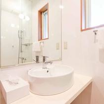 *【洗面台】使い勝手の良い独立した洗面台がございます。