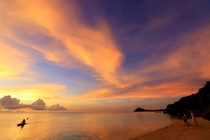 ホテルフロントのビーチで眺める夕景