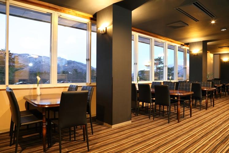 lounge dining 3
