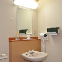【*和室一例】独立の洗面台。ハンドソープ、ドライヤーなど備え付けております。