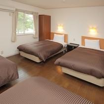 フォースのお部屋。2部屋ございますので、1棟で8名様までご宿泊可。二家族でのご利用にも最適。