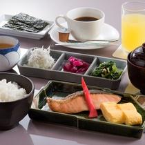 朝は和朝食で元気に1日をスタート