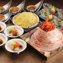 関西名物を食す!三種のお肉と野菜が織りなすハーモニー【ちりとり鍋】
