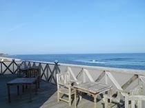 レストランデッキから望む日本海