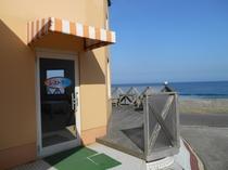 レストラン・入口