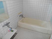 客室(あじ)浴室