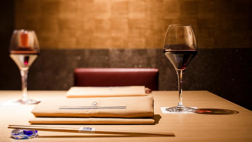 【Blue Seasons】寿司会席によく合うワインをご用意しております。