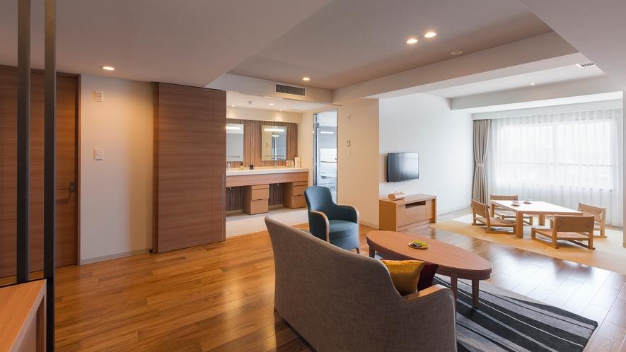 【展望風呂付き 平成モダン和洋室】広さ66平米、3~4名様でお泊り頂ける客室です。