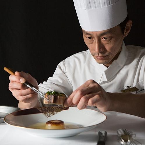 【函館銀座軒】洋食料理長兼、総料理長 村上。繊細なフレンチの技術を生かした西洋ハイカラ料理。