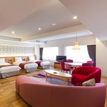 【レディースルーム】ベッド3台、洗面台も3台備えたトリプルルームです。(66~67.6平米)