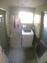 1F 洗面と洗濯機