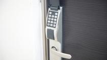 全室ドアキーロックを採用しております。