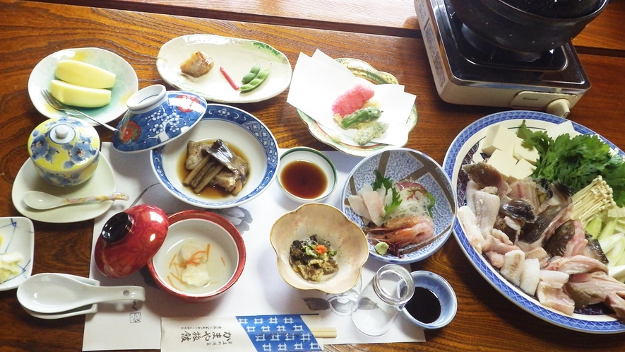 *【ばばちゃん鍋】一度食べたら病みつきに!?リピータの多い冬の味覚をお愉しみください。