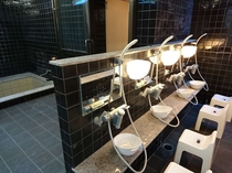 男湯洗い場